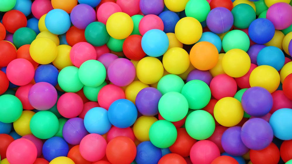 Suchy basen z piłkami – raj dla najmłodszych