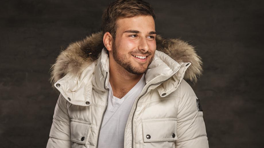 Najmodniejsza na zimę męska kurtka z futrem