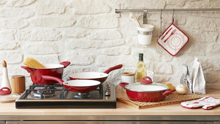 Kolor w kuchni, czyli oryginalne garnki, patelnie i akcesoria
