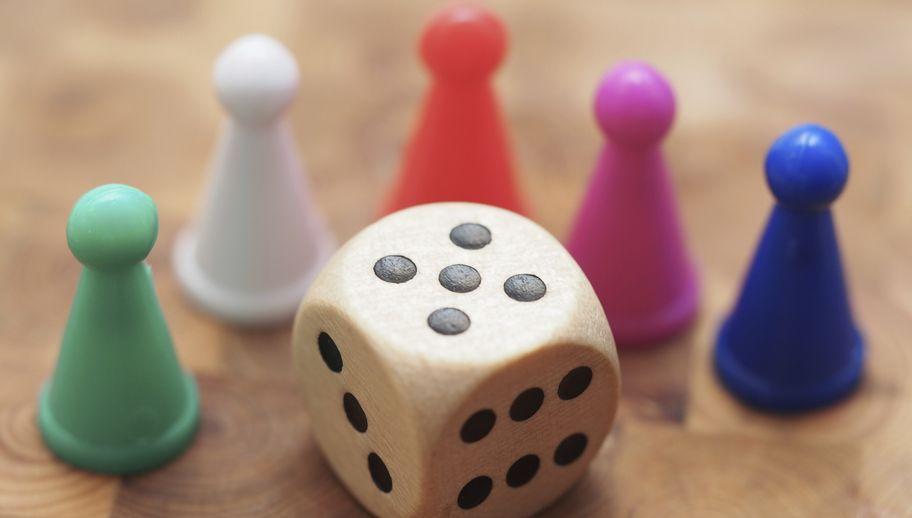 Planszówki – przegląd najmodniejszych gier dla całej rodziny